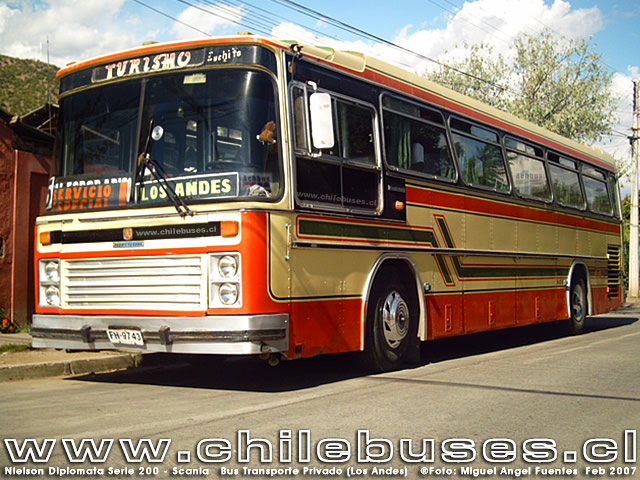 Nielson Diplomata Serie 200 - Scania  /  Bus Transporte Privado (Los Andes)