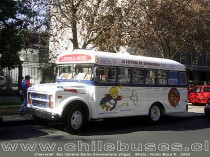 Chevrolet  /  Bus Libreria Barrio Universitario (Stgo)
